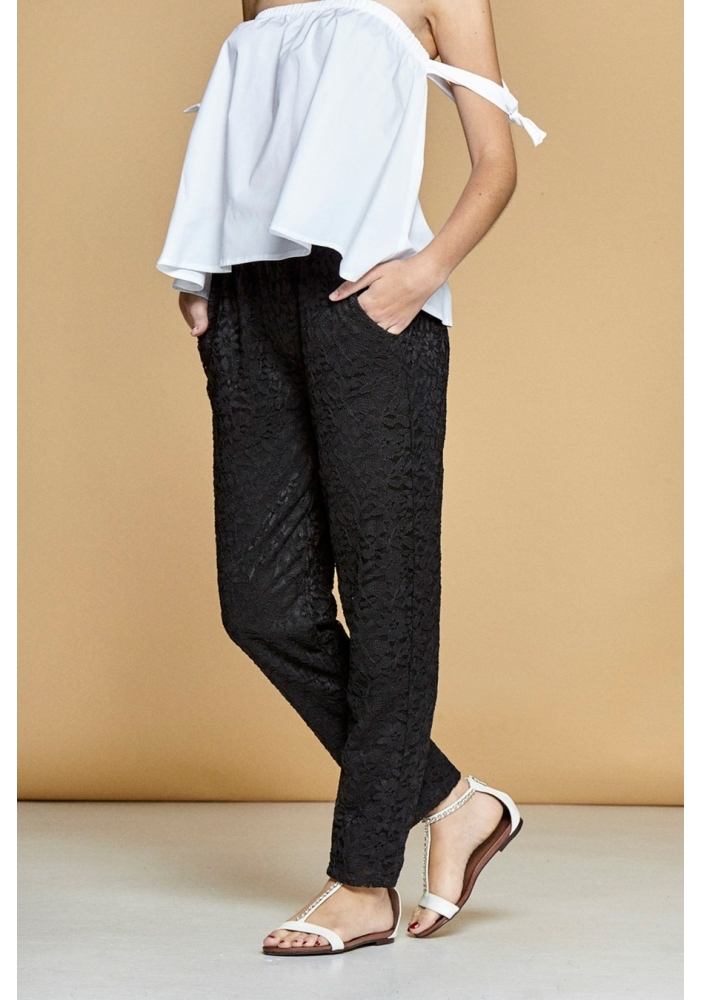 Pantaloni dantela